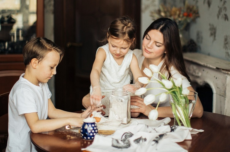 5 Ways to Create a Stronger Parent-Child Relationship, Brooklyn Letters